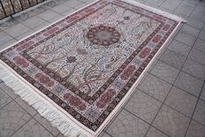 Amazing and wonderful Persian Quom 1200000 knots M/2 160x262 cm