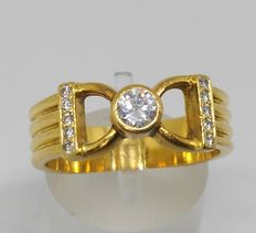 18 kt yellow gold ring – 11 diamonds – 0.35 ct in total