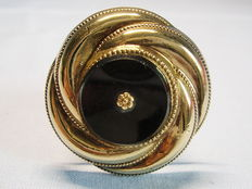 Victorian gold tinsel brooch with onyx