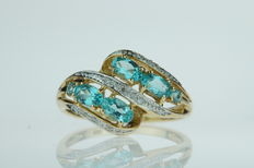 14 kt gold fantasy ring for ladies, set with diamonds and apatite