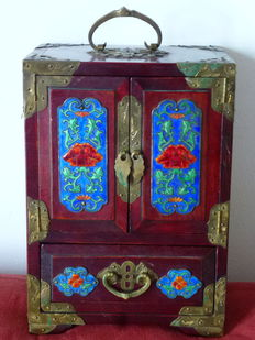 Heavy Red Oak Jewel box with copper enamelled decorations - Hong Kong - 1950s
