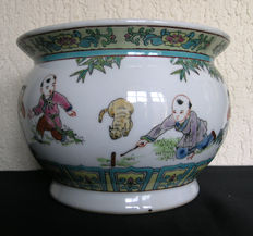 Cachepot in porcelain - China - first half of 20th century