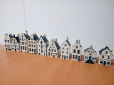 Lot with 10 KLM Delft Blue houses - Bols