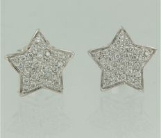 18 kt white gold ear studs in the shape of a star set with diamonds; each ear stud measures 1.2 cm