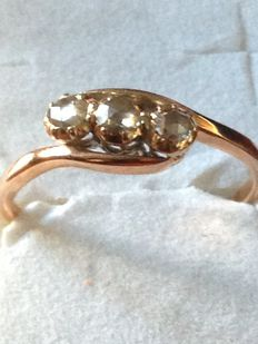Very old trilogy ring with three roses and diamonds