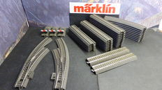 Märklin H0 - 24172/-188/-130/-671/-672/-977/-951 - 38-part lot od C-track with 2 curved switches
