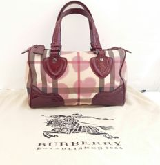 Burberry - Hearts joy Boston Bag with Dust bag ..