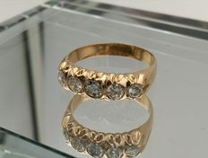 Exclusive five-stone ring made of 18 kt gold and 1.36 ct diamonds
