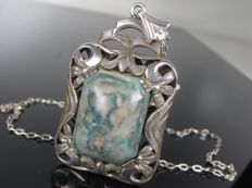 1910 XL pendant on necklace with agate