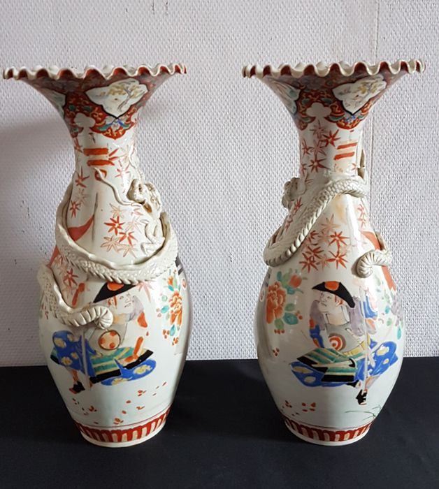 A Pair Of Porcelain Japanese Vases Japan 19th Century Catawiki