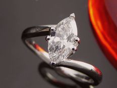 White gold ring with a 0.85 ct marquise cut diamond *** NO MINIMUM PRICE ***