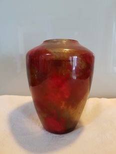 Verreries Schneider - Glass vase in red and amber colours