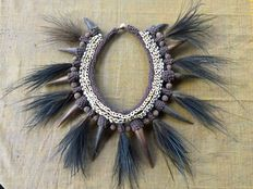 Decorative cassowary bird claw & feather necklace Papua-style - Indonesia
