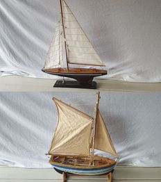 2x Nicely finished wooden sailing yachts