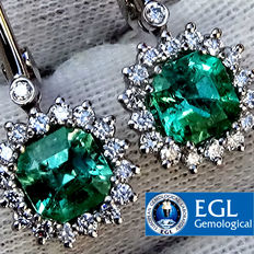 2.89 ct Colombian Emerald And Diamond Dangle Earrings in 18 kt white gold Natural Fine Green - EGL Certified - No Reserve