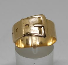 14 kt yellow gold ring in belt shape