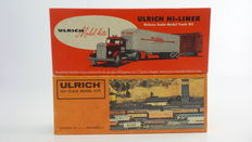 """Ulrich (Walthers) H0 - 931-801 - 1 Metal passenger carriage for post uses of the Sierra Railroad Corporation and 1 metal truck with a trailer """"Hi-Liner DeLuxe: Model Railroader 40 Years 1934-1974"""""""