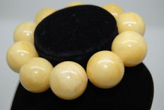 Bracelet Baltic Amber Butterscotch round beads, 37g - 18,9mm