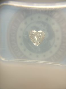 0.36 ct Heart cut diamond D VS2