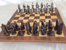 Chess made of bronze of Isabella I of Castile