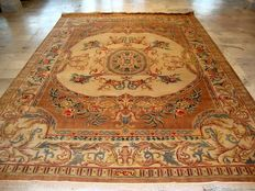 Authentic Hand knotted Indian (Oriental)  Savonnerie design in PERFECT condition