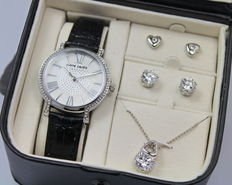 Pierre Cardin – Ladies watch – Necklace and earrings – Gift set – Brand new.