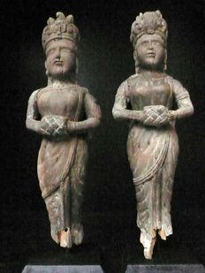 Pair of Apsara (or divinity) statuettes – India – Early 20th century