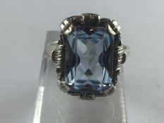 A genuine 935 silver ring with a real aquamarine of 6.59 ct from around 1920 to 1930