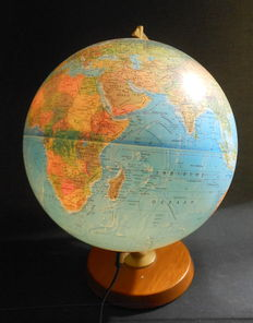 Scanglobe - Globe with lighting