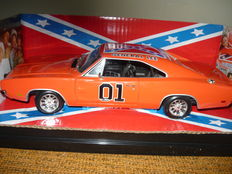 Ertl - Scale 1/18 - Dodge Charger 69'- Dukes of Hazzard General Lee 2001