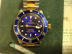 Rolex Submariner Date Ref: 16672 - Unisex Wristwatch - 8/1993