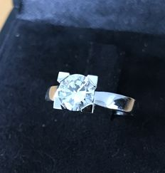 Ring with solitaire diamond, 1.07 ct.