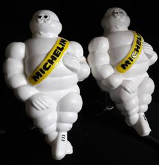 2 x Michelin Bibendum - original 'made in Finland' plastic figures  - 21 x 12,5 cm - 1966