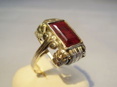 Ring with natural ruby, box cut approx. 5 ct
