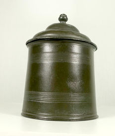 English circular pewter tobacco jar with round knob and lead presser. 4-marked circa - 1810