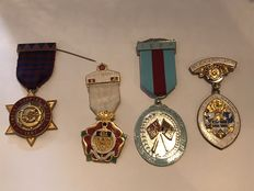 Collection of 4 vintage Masonic  medals