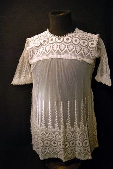 Lace chemise, France, late 19th to early 20th
