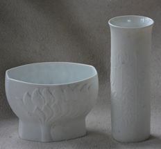 Kaiser - Two biscuit porcelain vases
