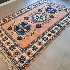 Marvellous, Anatolian, Persian carpet – 257 x 171 – very good condition and superb quality.