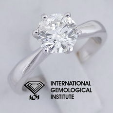 IGI 1.00 ct Round Brilliant Cut Diamond Engagement Solitaire Ring