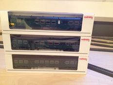 Märklin H0 - 43532/-34/-36 - Three carriages of the SNCB, provided with closing carriage with lights
