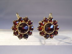 Victorian earrings with facetted, rose cut garnets