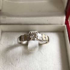 White gold ring with diamond, 0.57 ct in total