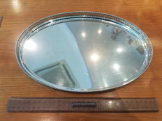 Oval silver tray with open-work Gallery rim with Pearl rim, by Zilverfabriek, Voorschoten, the Netherlands, 1925