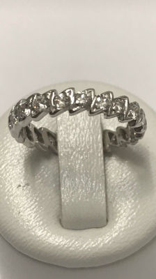 White gold eternity wedding ring (American style) set with Top Wesselton diamonds of 1.26 ct - Ring size: 54 / 16.8 mm.