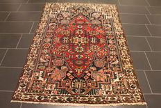 Old high-quality hand-knotted Persian carpet Hamadan Bidjar Malayer Madi in Iran around 1950 plant colours 135x195cm