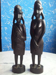 Pair of wooden figurines from Africa