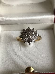 Yellow gold rosette ring with diamonds, 0.48 ct in total