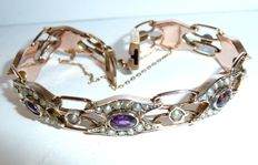 Bracelet in 9kt red-gold with amethysts and several seed pearls - immediately wearable