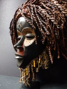 Large female African Pwevo  mask - TJOCKWE - Angola
